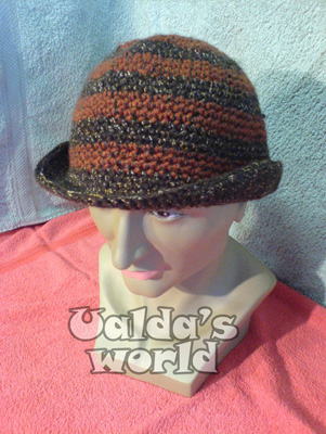 Cloche in shades of brown