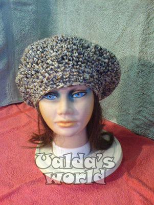 Chunky beret in greys and browns