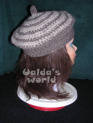 Brown & beige beret with loop