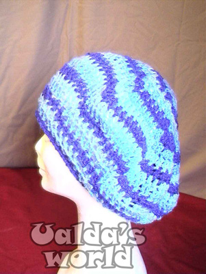 Big floppy beret with blue bands